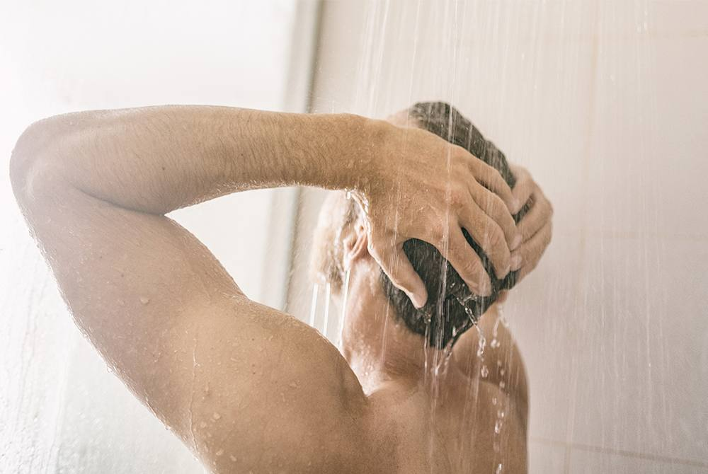 Truckers who don`t take baths are in danger