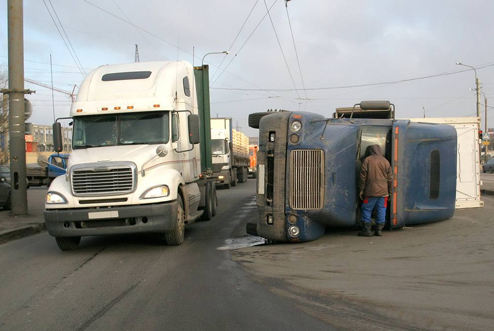 Warning, truckers!  What you should do after an accident